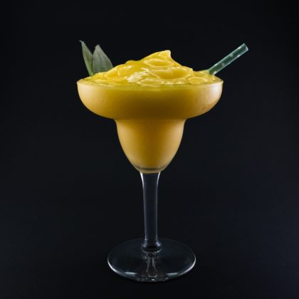 Frozen Pineapple Mango Daiquiri Drink Recept