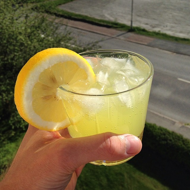 Limoncello & Tonic Drink Recept
